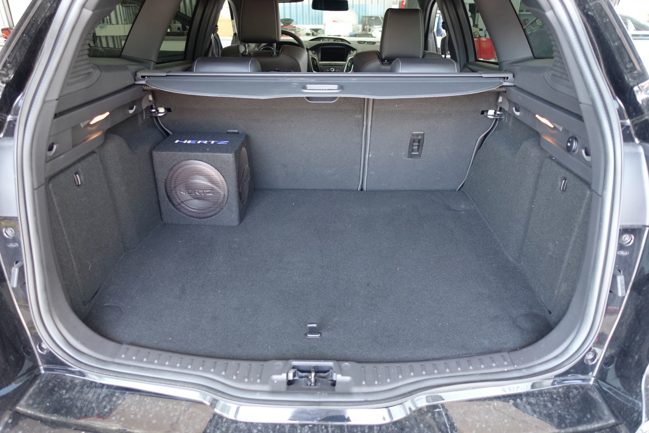 Aktiver Subwoofer am Sony Soundsystem von Ford | CarHifi Bünde